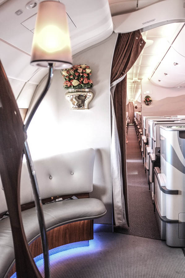 how to get hotel from emirates long layover