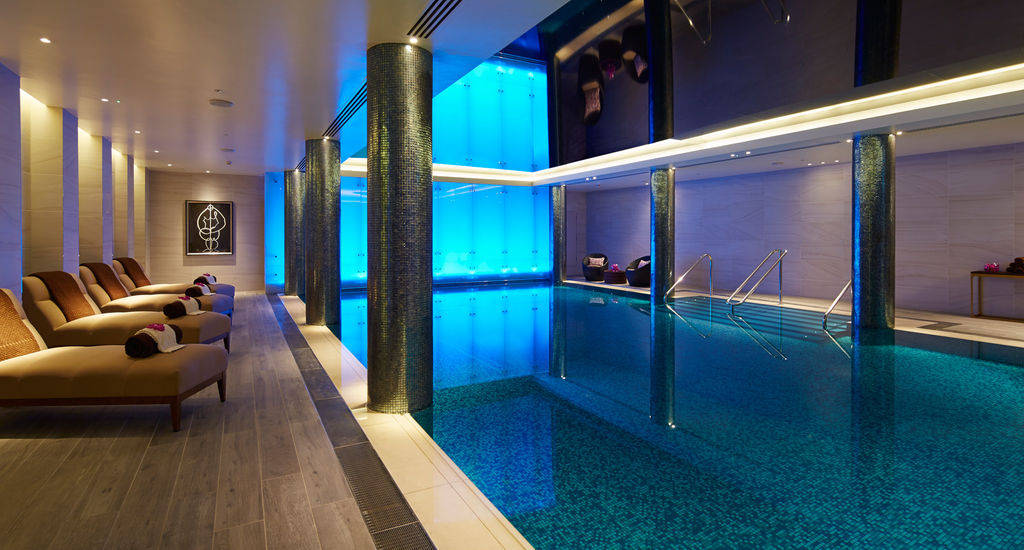 The swimming pool at London Marriott Hotel Park Lane